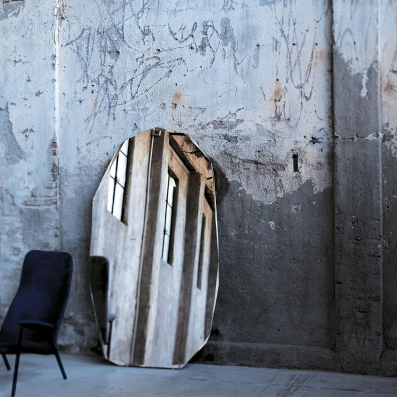 Giant Mirror Featuring Diamond-Shaped Piero Lissoni For Glas Italia Kooh-I-Noor Mirror