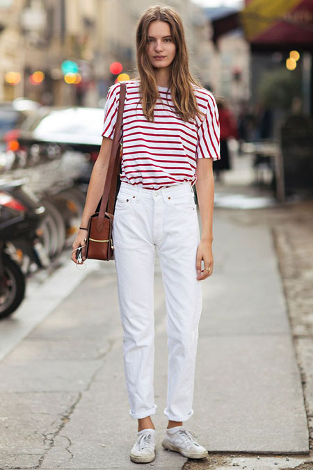 Model Wearing Simple White Mom Jeans Outfit
